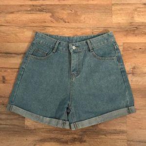 Pants - Vintage Super🤩  High-Rise  Mom Jean Shorts Sz. 28